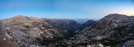 Panoramatický pohled z observatoře směrem k jihu