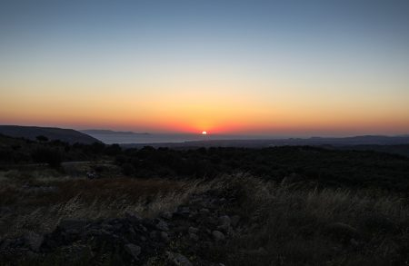Východ Slunce nad Heraklionem cestou ze Skinakasu