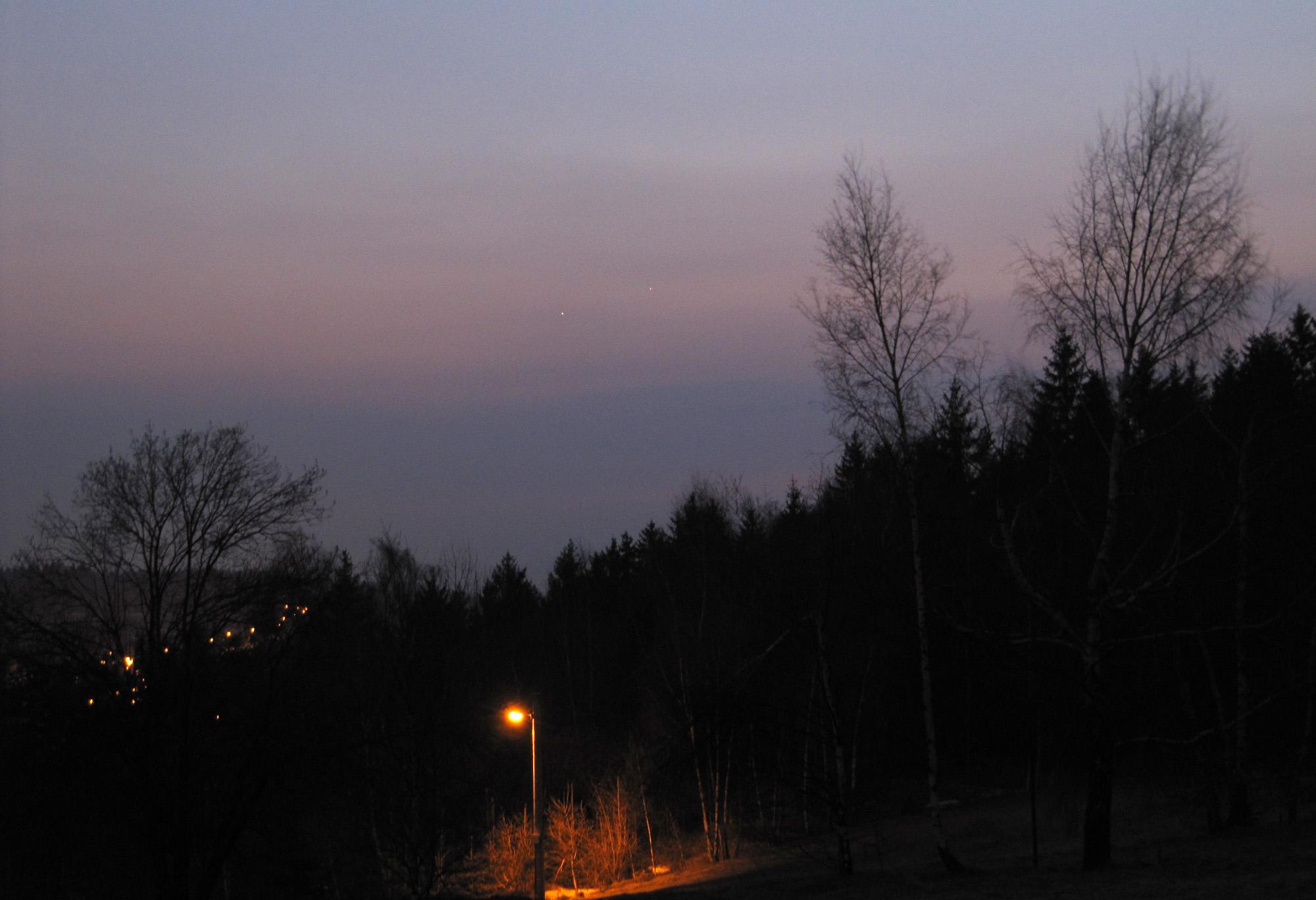 Jupiter, Merkur a stromy