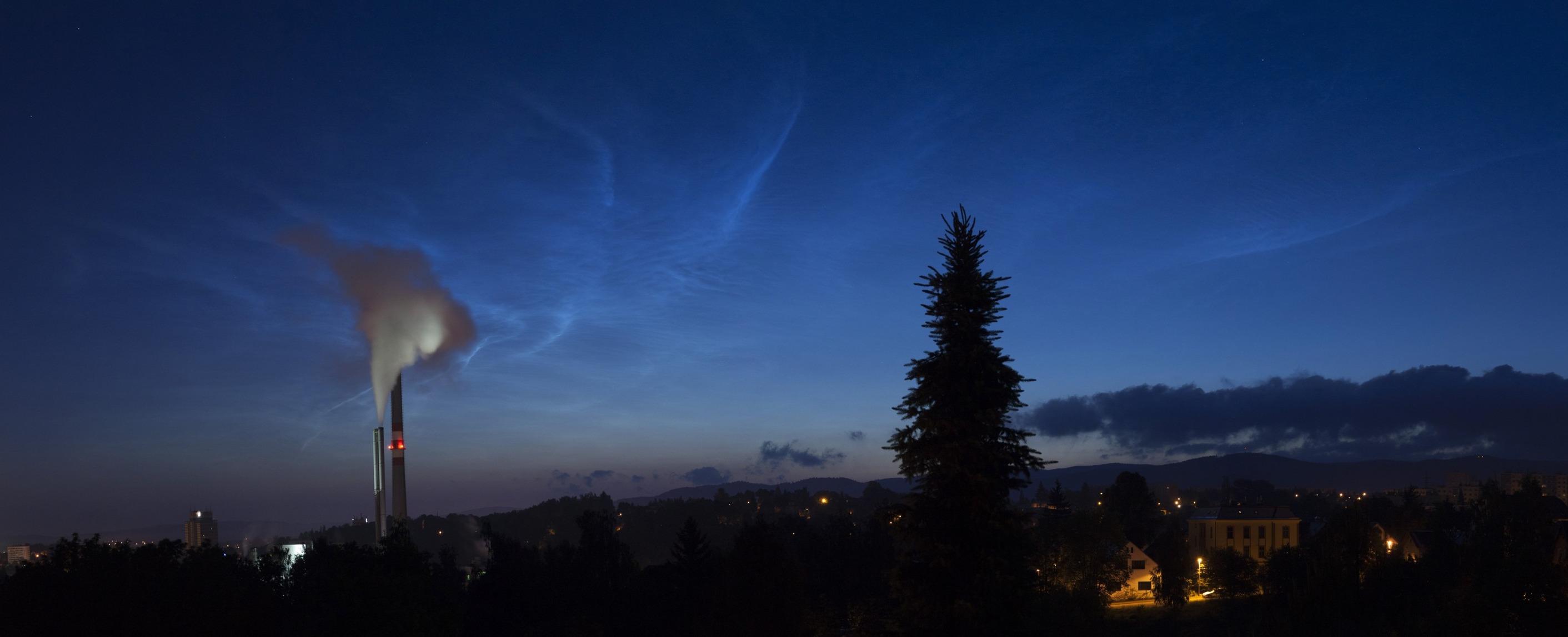 NLC ráno 15.6.2012 z Liberce. Foto: Martin Mašek