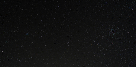 kometa 2013 R1 Lovejoy ve Lvu poblíž Jesliček v Raku, foto 50mm objektivem, MaG