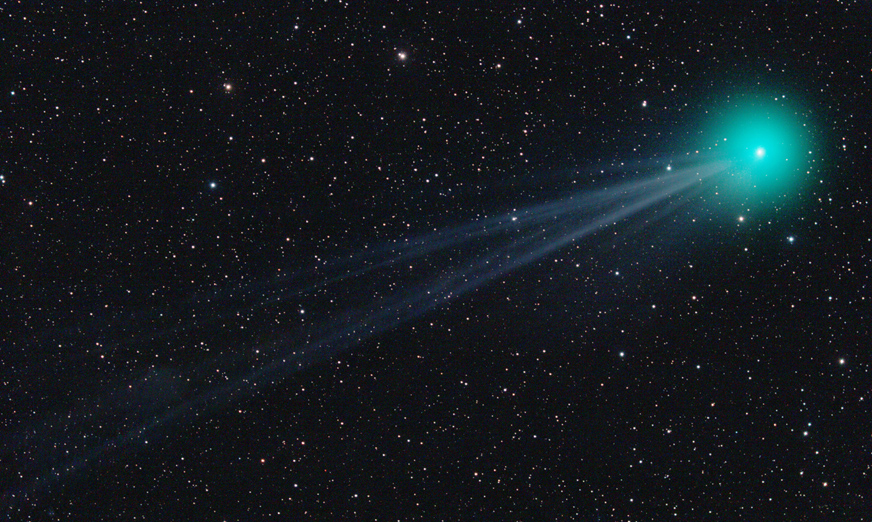 Q2 Lovejoy 18.1.2015 složená na hvězdy