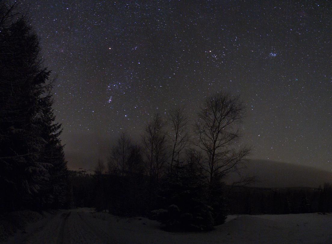 Panorama z Rozdroze s kometou Lovejoy