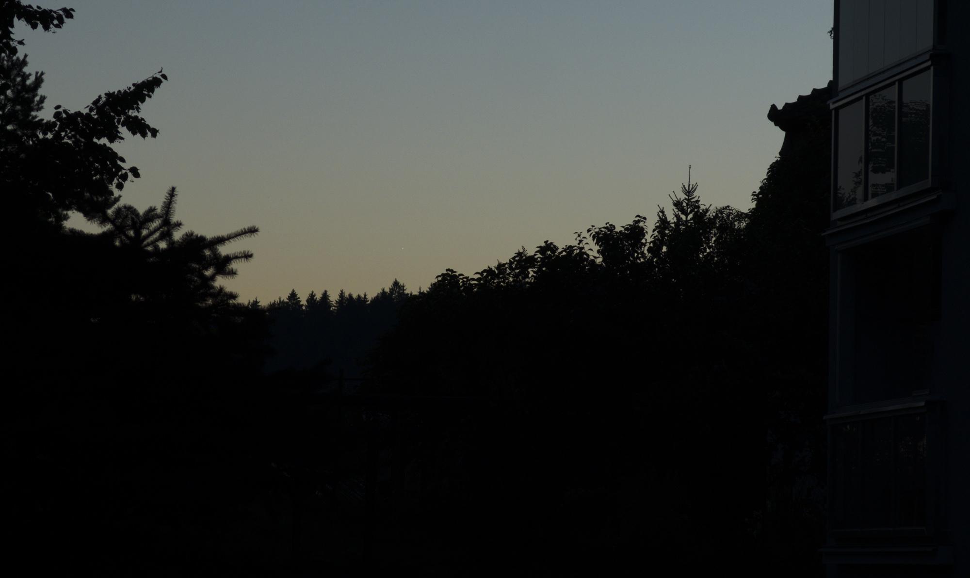 Venuše a Jupiter v zoomu Canonu G16