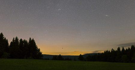 Panorama 35mm objektivem Sigma Art 1,4. 20. 5. 2020, kolem 2:25 SELČ, 30s, ISO1600, f2, Canon 6D.