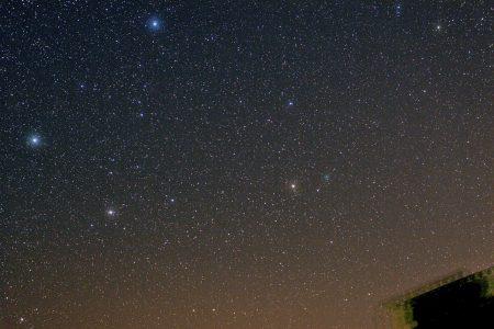 Kometa C/2020 M3 (ATLAS) 20. 10. 2020, 1:45 SELČ, Sigma 135 mm, f/4, Canon 6D, ISO 1600, 12×60s