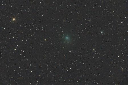 C/2020 R4 (ATLAS), 20. 4. 2021, 9×30s, ISO3200, Orion CT8, Canon 6Dmod, ořez