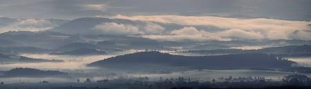 Mlhy v údolí - panorama přes ED80