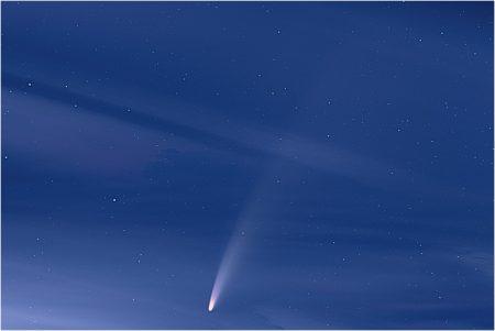 C/2020 F3 (NEOWISE), 10. 7. 2020, 03:06, Hvězdárna Turnov, Pentax K-70, Samyang 85mm T1.5 AS IF UMC VDSLR, GPS ASTROTRACER ON, 28×10sec, ISO 800, dark, flat, bias
