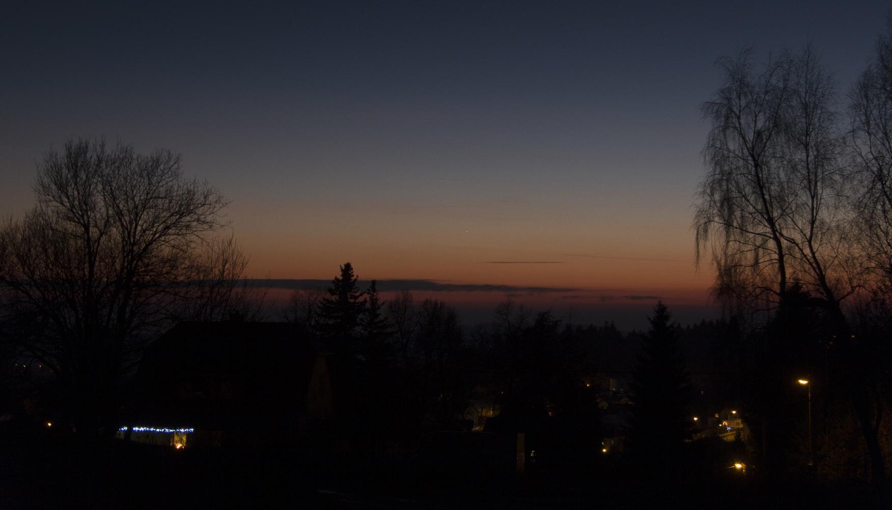 Merkur 29. 12. 2015 v ohnisku 38 mm, Canon 30D