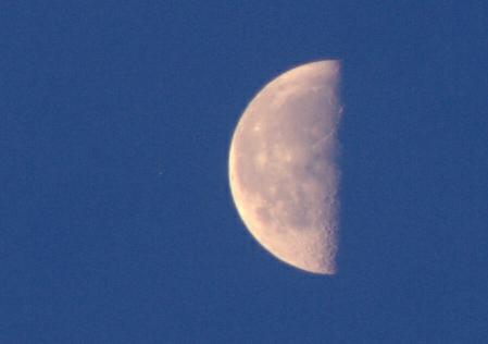 Měsíc a Aldebaran