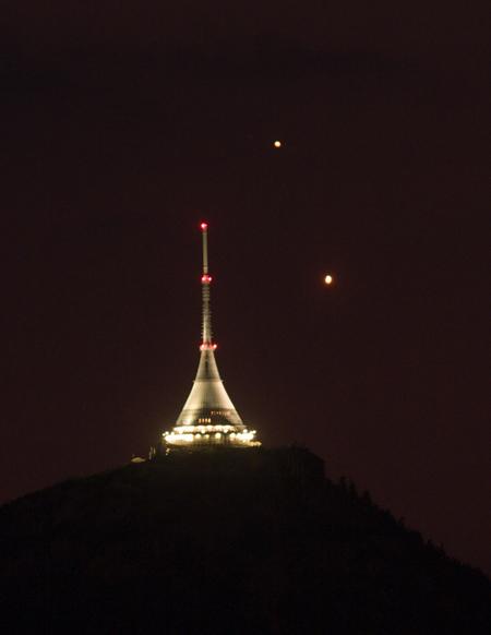 Venuše s Jupiterem u Ještědu, foto: Martin Gembec