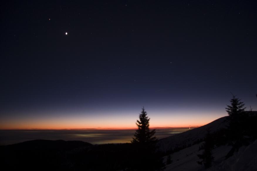Venuše a Mars z Vrbatky, vpravo Kotel