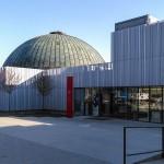 Kupole planetária a hlavní vchod
