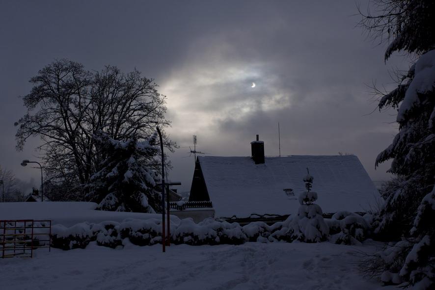 Atmosféra zatmění 4.1.2011 na ZŠ Rýnovice