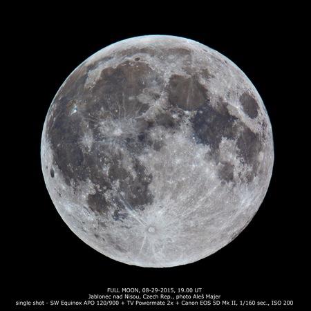 Měsíc v úplňku. Foto: Aleš Majer