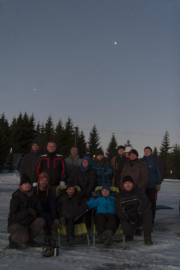 Skupinovka z Jizerky za svítání. Během focení spatřeny dva jasné meteory, žel mimo zorné pole foťáku.