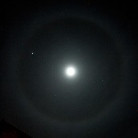 Halo kolem Měsíce, foto: Aleš Majer