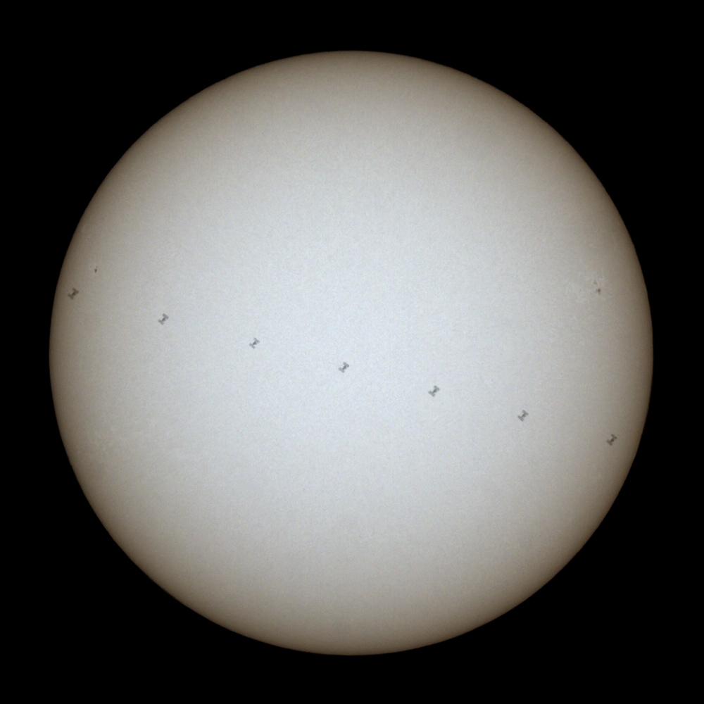 přelet ISS přes Slunce 5.7.2011