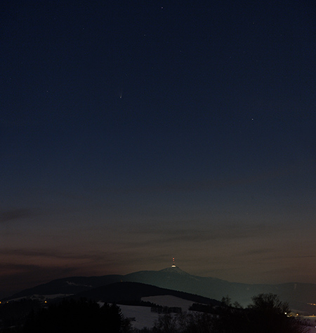 kometka PanSTARRS nad Ještědem 24.3.2013, foto: Martin Gembec
