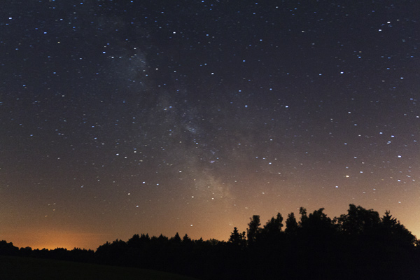 Letní jižní Mléčná dráha v souhvězdí Štíru, Střelce a Štítu