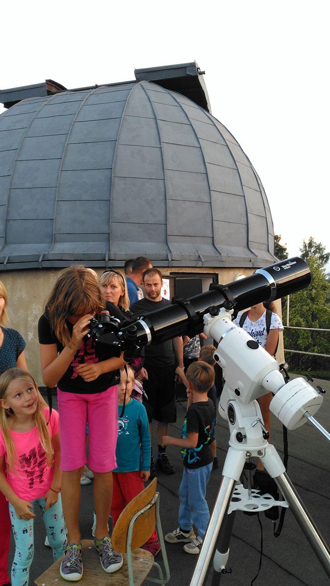 Mladí adepti astronomie