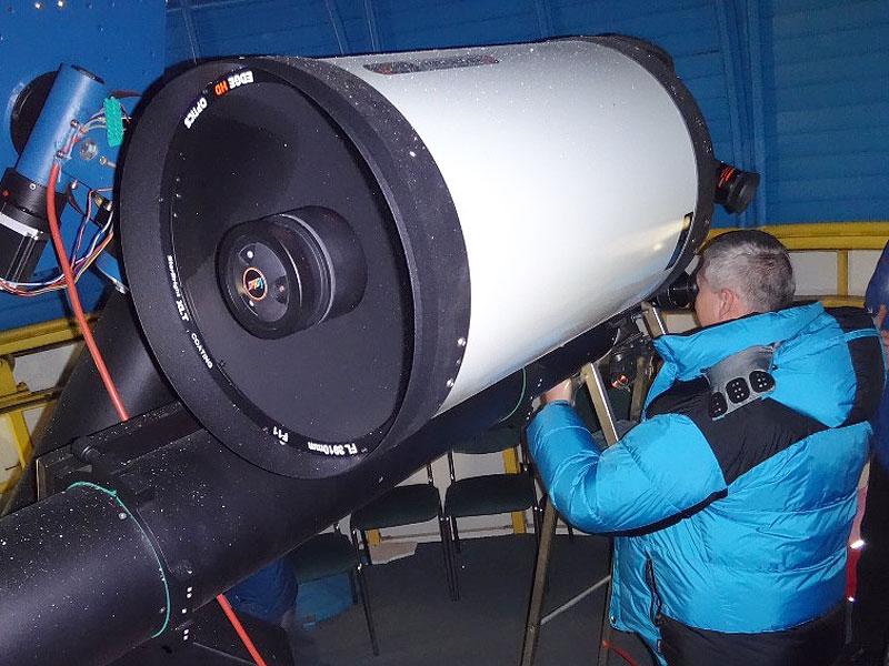 Pozorování komety 2P/Encke v kupoli mladoboleslavské hvězdárny