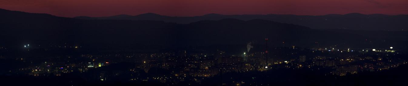 panorama večerního Liberce, 4 snímky ED80/600 f402 mm, Martin Gembec