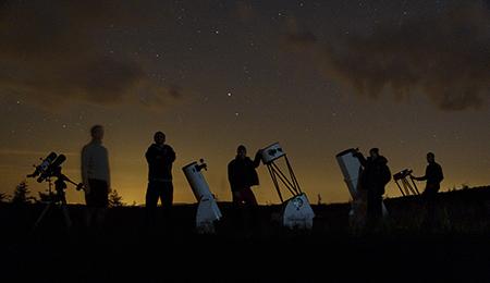 skupinovka s dalekohledy
