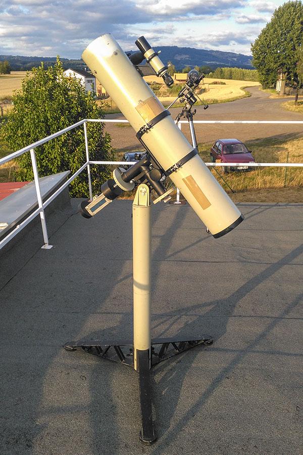 Dalekohled TAL-1 pana Pozdníčka je nyní k vidění na turnovské hvězdárně