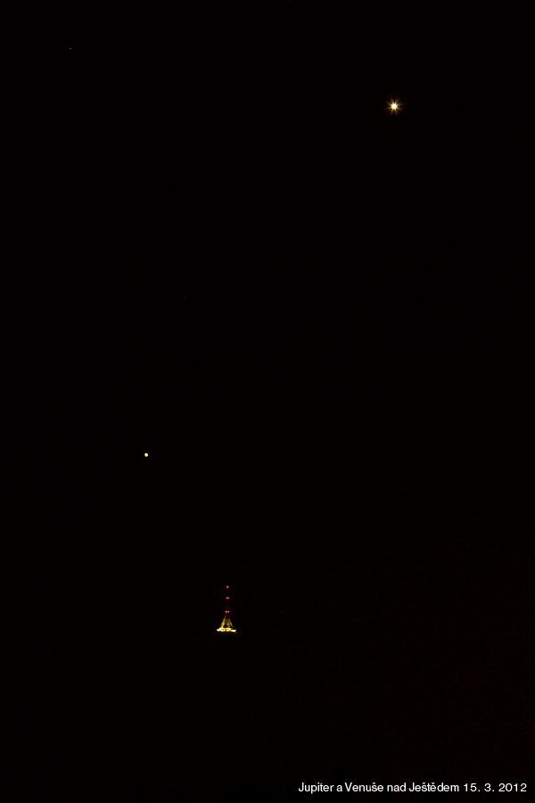 Ještěd, poblíž Jupiter a nahoře Venuše. Foto: Aleš Majer