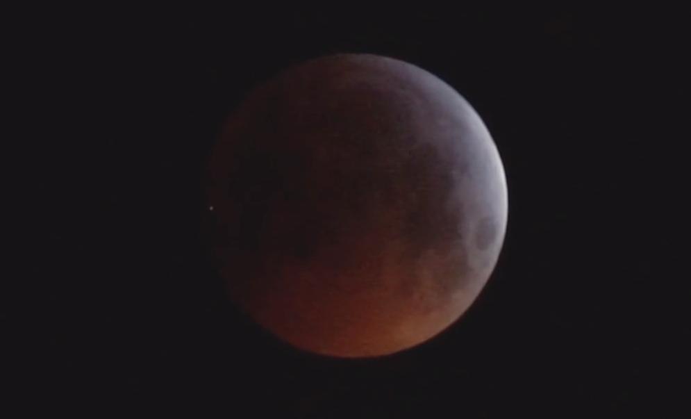 záblesk na Měsíci v podání Romana Hujera